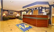 Philadelphia Airport Hotel - Lobby